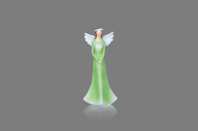 Anděl zelený s věnečkem menší
