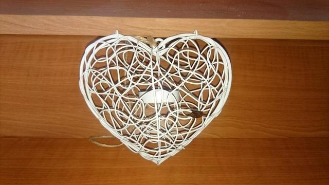 Srdce kovové bílé závěs malé