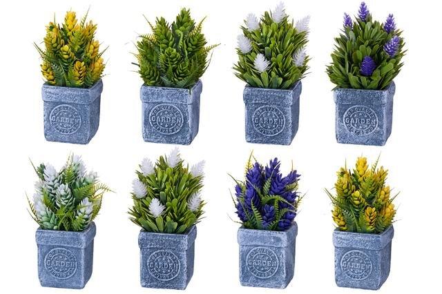 Umělé kvítí v keramickém květináči