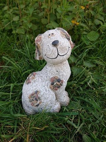 Pes design kamínky