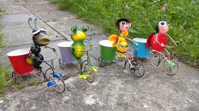Zvířátka na kole s květníkem