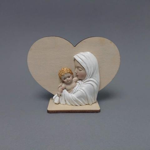 Madona na dřevěném srdci
